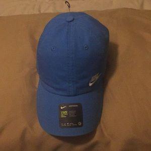 NWT NIKE HAT
